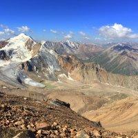 Природа гор очень изменчива, она сурова и непредсказуема — и этим интересна. :: Anna Gornostayeva