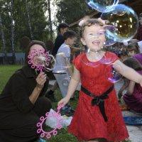 лето, праздник, пузыри!!! :: Ольга Русакова