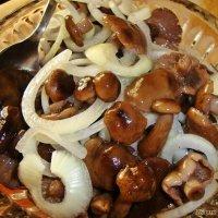 Маринованные грибочки :: Лидия (naum.lidiya)