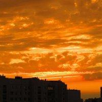 Городской закат! :: Ирина Олехнович