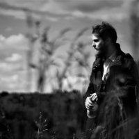 Летом в поле и в пальто :: Simon Kuvshinnikoff