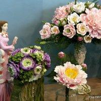изящная хозяйка цветов :: Олег Лукьянов