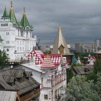 Крыши и башни Измайловского Кремля :: Дмитрий Никитин