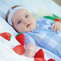 Выездная фотосессия малышки :: марина алексеева