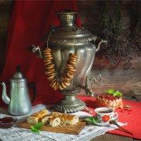 Чаепитие с самоваром и выпечкой :: Ирина Лепнёва