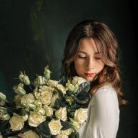 Девушка и розы :: Marya Matoshina