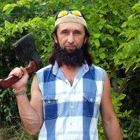 Мужчина с топором :: Евгения Ламтюгова