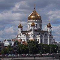 Москва....  Храм Христа  Спасителя.... :: Galina Leskova