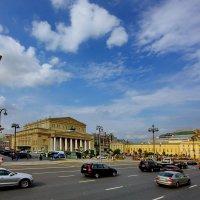 Театральная площадь. :: Александр Бабаев