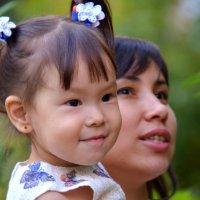 Дочка и Мама :: Константин Шарун