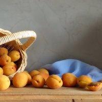 Корзина с абрикосами :: SaGa