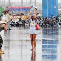 Фотосессия под дождём :: Владимир Болдырев