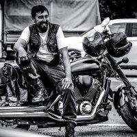 Весёлый байкер Стёпа :: Алексей Шумков