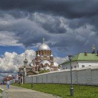 По улицам Свияжска :: Сергей Цветков
