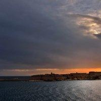 Мальтийские ворота. :: Leonid Korenfeld