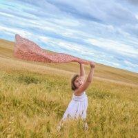 Гляну в поле, гляну в небо.И в полях и в небе рай! (Есенин) :: ТатА ДемИ