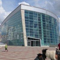 Здание в Уфе :: Вера Щукина