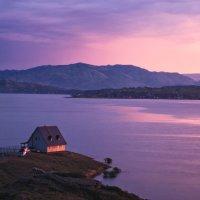 Домик у озера :: Егор Балясов