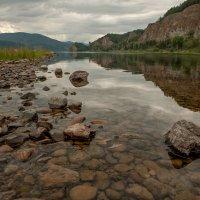 На природе у реки :: Сергей Герасимов