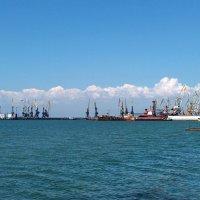 Какой он разный,этот порт! :: Наталья