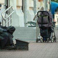 Маладой человек, ботиночки почистить не желаете ? :: Алексей Медведев
