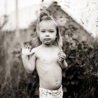 «Лучший способ сделать детей хорошими — это сделать их счастливыми» :: Александра Тихомирова