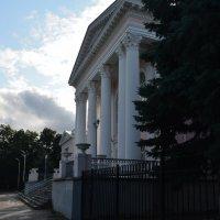 Дворец творчества детей и юношества. Главный вход. :: Александр Буянов