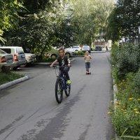 На перегонки... :: Олег Афанасьевич Сергеев