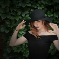 В шляпе. :: Александр Бабаев