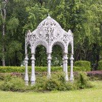 Беседка в Ботаническом саду :: Светлана З