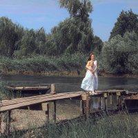 у реки :: Марина Кайстрова