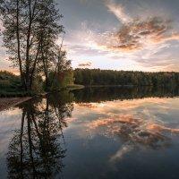 вечером на озере :: Василий И