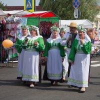 На дрибинских торжках :: Alena Cyargeenka