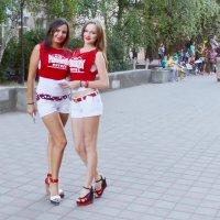 Брюнетка и блондинка :: Владимир Болдырев