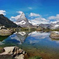 Там в облаках огромная гора :: Elena Wymann
