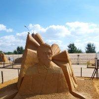 Выставка песчаных скульптур в парке Коломенском. :: Владимир Драгунский