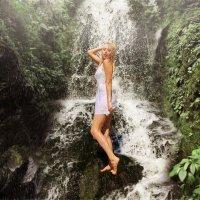 У водопада :: Алекс Штиль