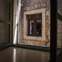 Окно в окне... :: Андрей Илларионов