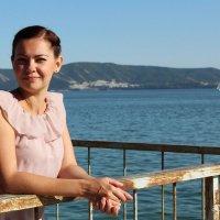 Девушка на набережной :: Юлия Сова