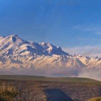 Утро в горах Кавказа :: Виктор Заморков