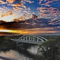 Мост в Серебрянный бор. :: Александр Бабаев
