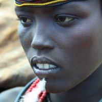 Задумчивая африканка :: Евгений Печенин