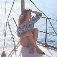 прогулка на яхте с очаровательной Катрин :: Светлана Белкина
