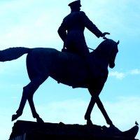 Памятник маршалу Жукову на Манежной. :: Владимир Драгунский