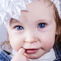 Девочка с яркими глазами :: Марина Кириллова