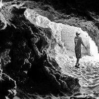 Пещера и малыш :: Alexander Andronik