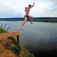 Прыжок в Мологу реку 2... :: Sergey Gordoff