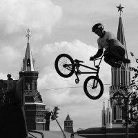 Вело-экстрим на дне города в Москве. (2) :: Николай Кондаков