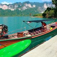 Лодка на озере Чао Лан :: Александр