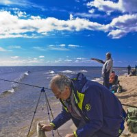 Удачливый рыбак. :: Senior Веселков Петр